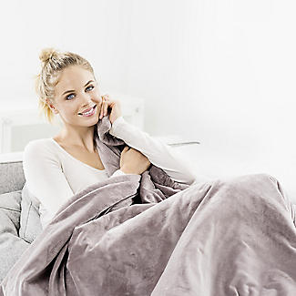 Beurer Cosy Heated Throw Taupe 180 x 130cm HD75-42400 alt image 2