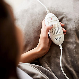 Beurer Cosy Heated Throw Taupe 180 x 130cm HD75-42400 alt image 3