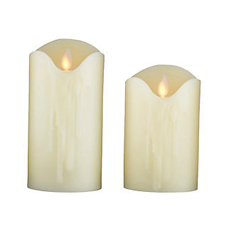 2 Flickering LED Pillar Candles Set
