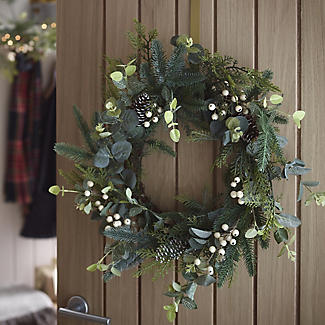 Festive Foliage Wreath Christmas Decoration alt image 2