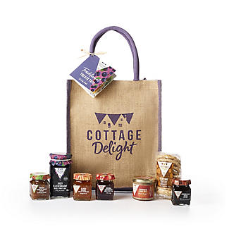 Cottage Delight Traditional Treats Tote Hamper