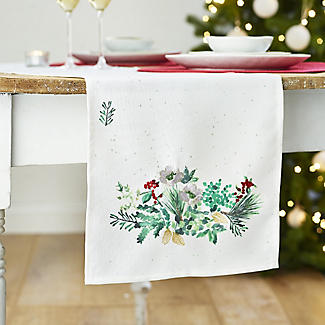 Lakeland Evergreen Traditional Christmas Table Runner alt image 2