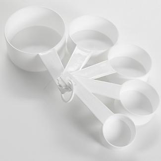 Lakeland Value 5 Plastic Measuring Cups Set