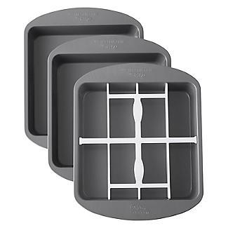 Wilton Checkerboard Square Cake Pan Set alt image 2
