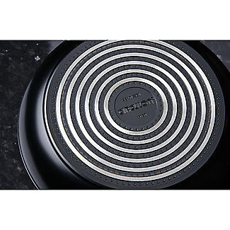 Circulon Ultimum 24cm Covered Sauté Pan alt image 2