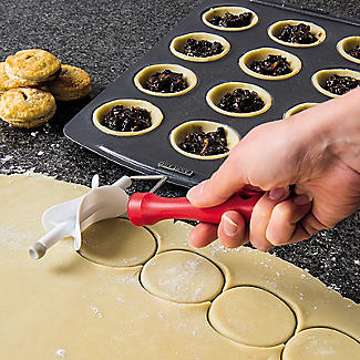 Round Rolling Pastry Cutter Set – 4 Sizes alt image 2