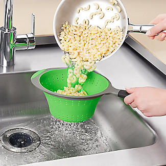 OXO Good Grips Silicone Collapsible Colander with One Handle alt image 2