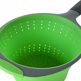 OXO Good Grips Silicone Collapsible Colander with One Handle alt image 3