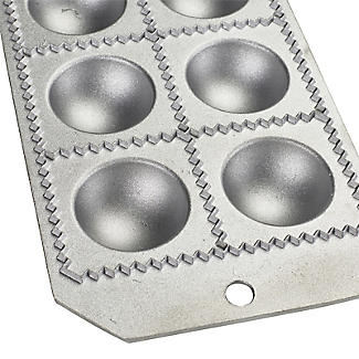 Cast Aluminium Ravioli Tray with Rolling Pin alt image 4