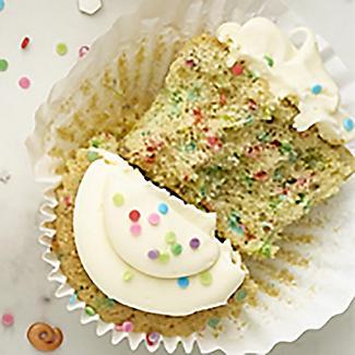 Scrumptious Sprinkles Rainbow Confetti Sprinkles 70g alt image 2