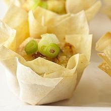 Mini-Blätterteighäppchen mit Pancetta