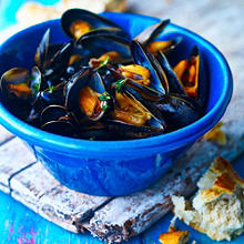 Mussels with White Wine and Thyme