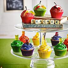 Gummibärchen- und Würmer-Cupcakes