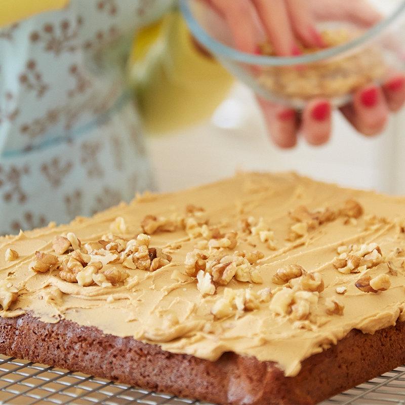 Mary Berry's Coffee & Walnut Traybake | Cake Recipes ...