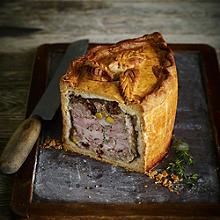 Chicken & Ham Pie With Savoury Pork Stuffing