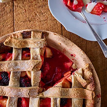 Blackberry & Apple Pie with Cinnamon Crust